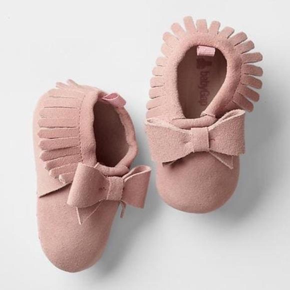 e93b5ade15a4e NWT Gap Baby Fringe Bow Moccasins Milkshake Pink NWT